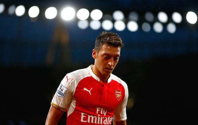 Mesut Ozil Arsenal v Everton - Premier League Arsenal 3-4-1-2