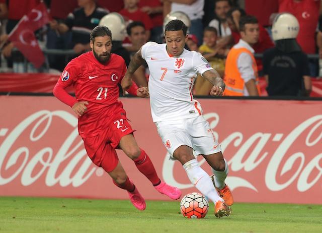 7677dd3b3ead Man Utd wonderkid Memphis Depay slammed for wearing golden boots following  Turkey defeat