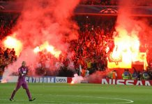 """Flares at the Emirates 2"" (CC BY 2.0) by Ronnie Macdonald"